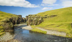 Fjaðrárgljúfur kloof canyon IJsland Iceland fotografie Andrea Liebrand